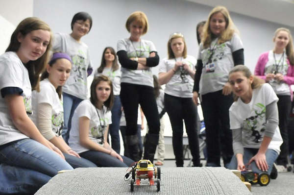 8th grade girls explore STEM