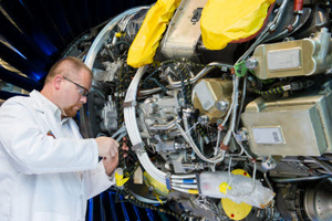 pratt & whitney service parts management